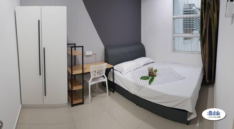 Comfortable Middle Room at The Zest   Bandar Kinrara, Puchong   5 mins to LRT   Bukit Jalil highway, KL