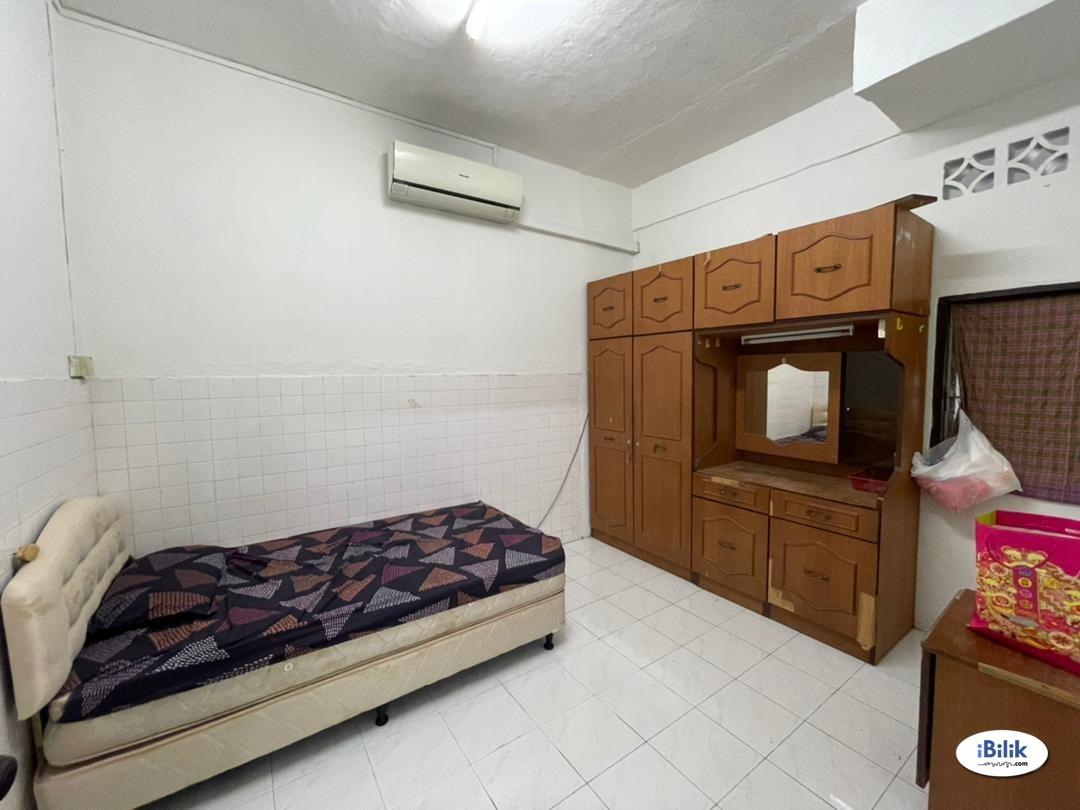 Single Room at Melaka, Malaysia