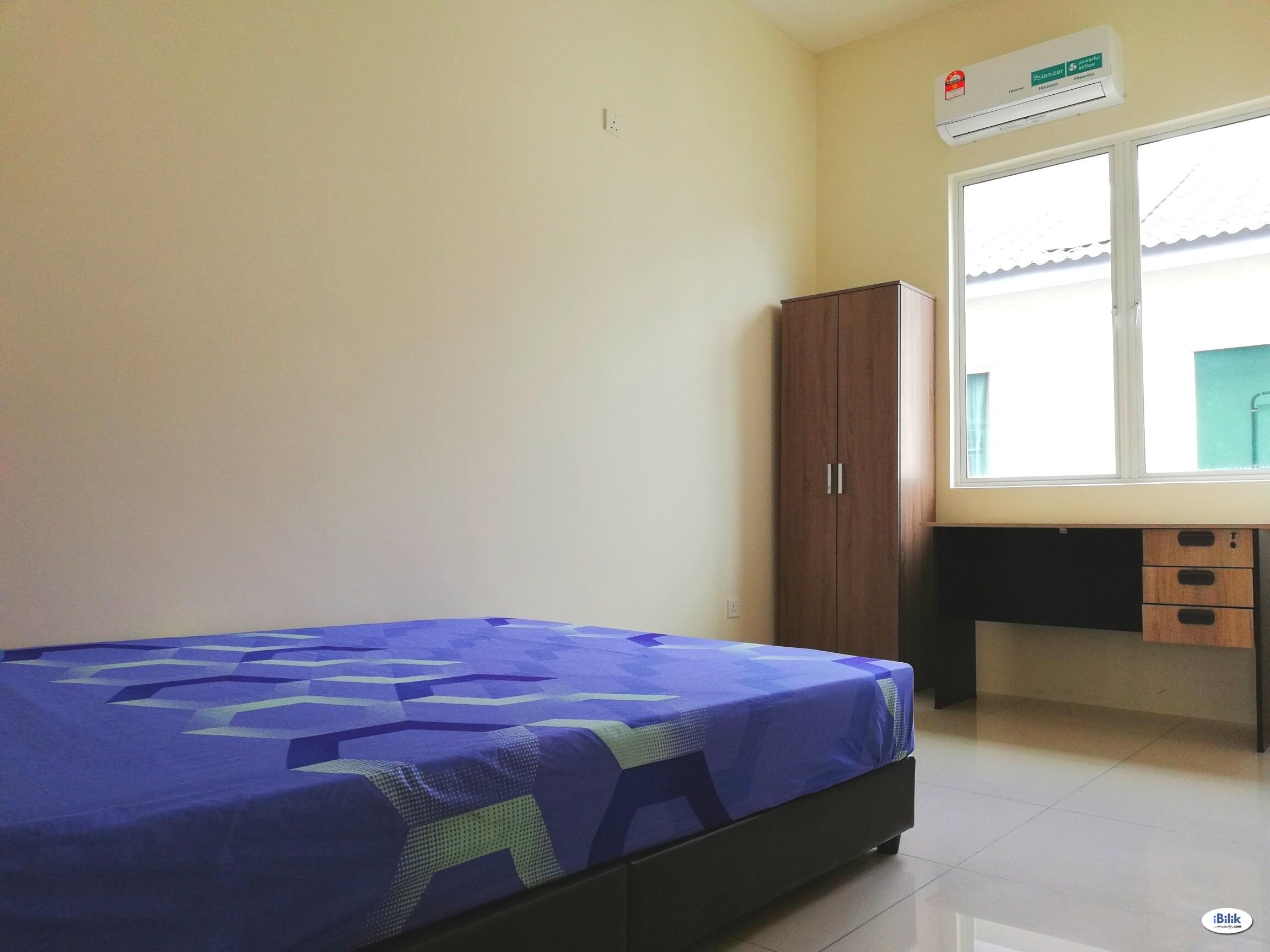 Middle Room at Pearl Villas, Pearl City, Simpang Ampat, Near Batu Kawan