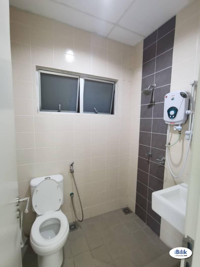 **Master Room at Kota Damansara Golf View Comfortable