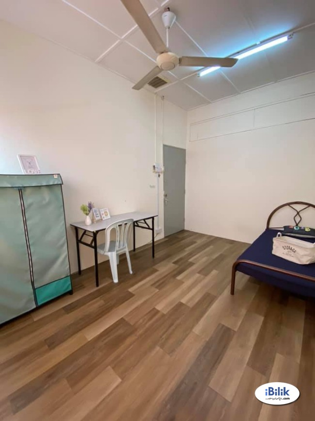 convenience Fully furnished room Walking distance to Taman Paramount LRT!