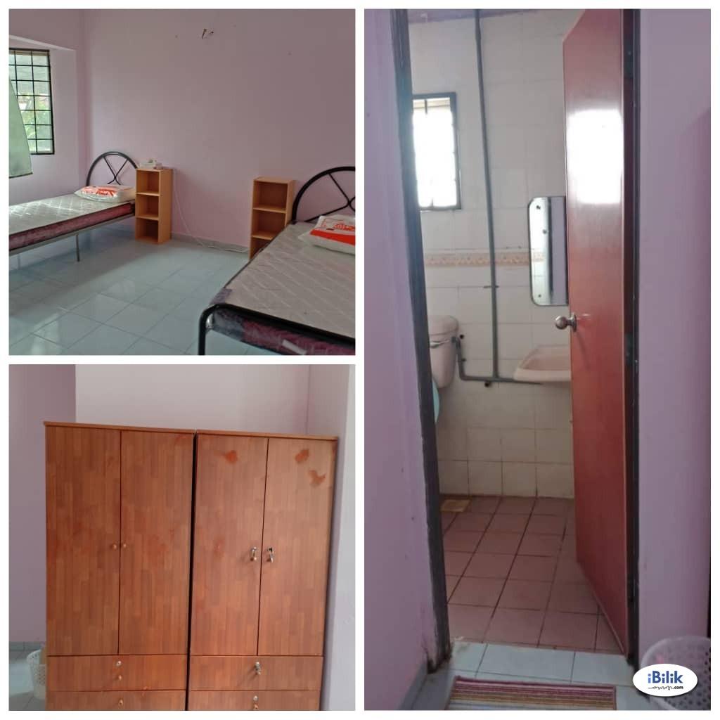 Master Room at PU10, Bandar Puchong Utama