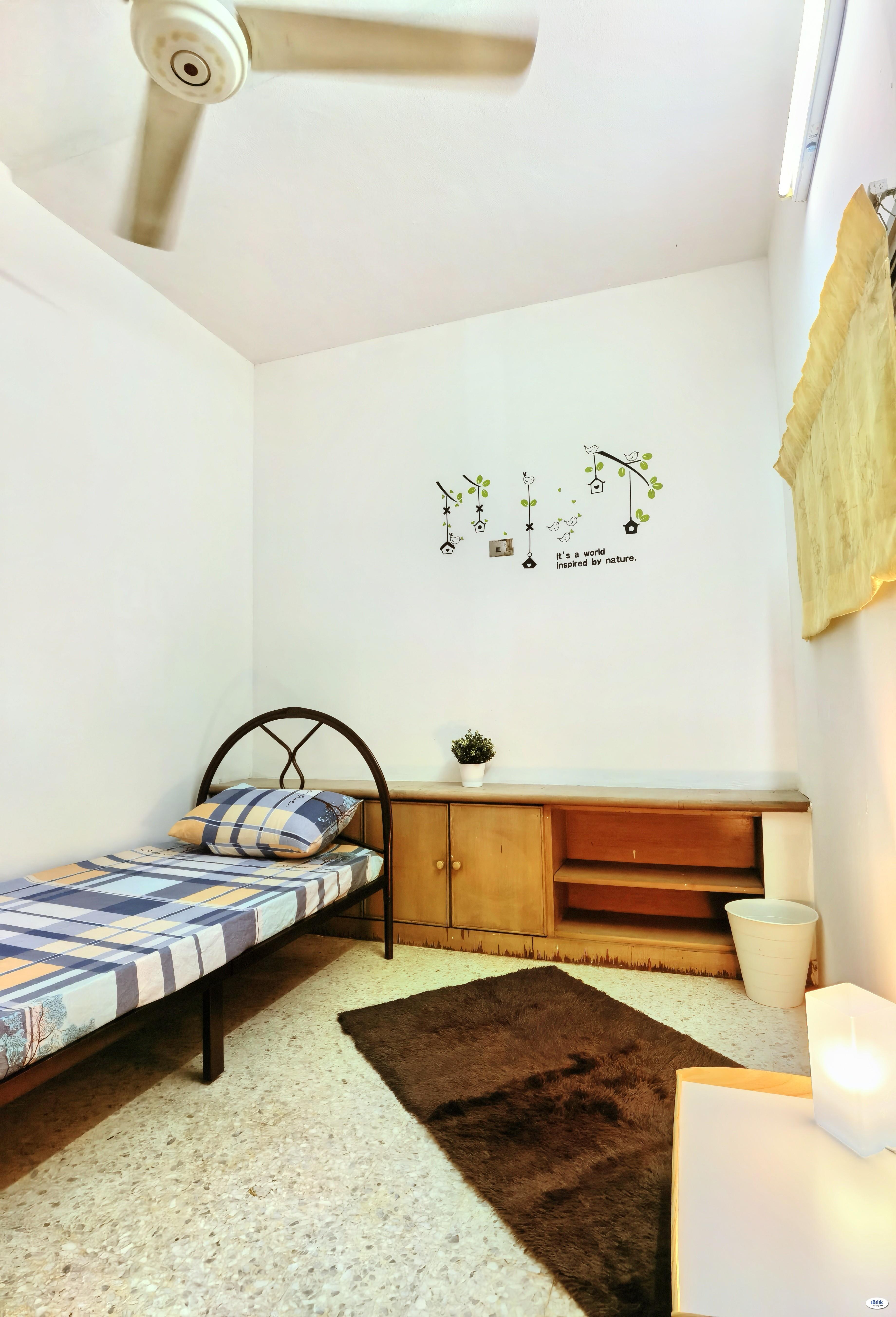 💥 Free One Month Rental 💥 Single Room at Damansara Kim, Damansara Utama