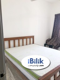 Room Rental in Petaling Jaya - Fully Furnished Pool View Middle Room With Queen Bed & Window at SuriaMas, Bandar Sunway Opposite Sunway Pyramid