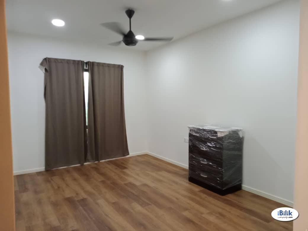 Master Room at Batu Kawan, Seberang Perai