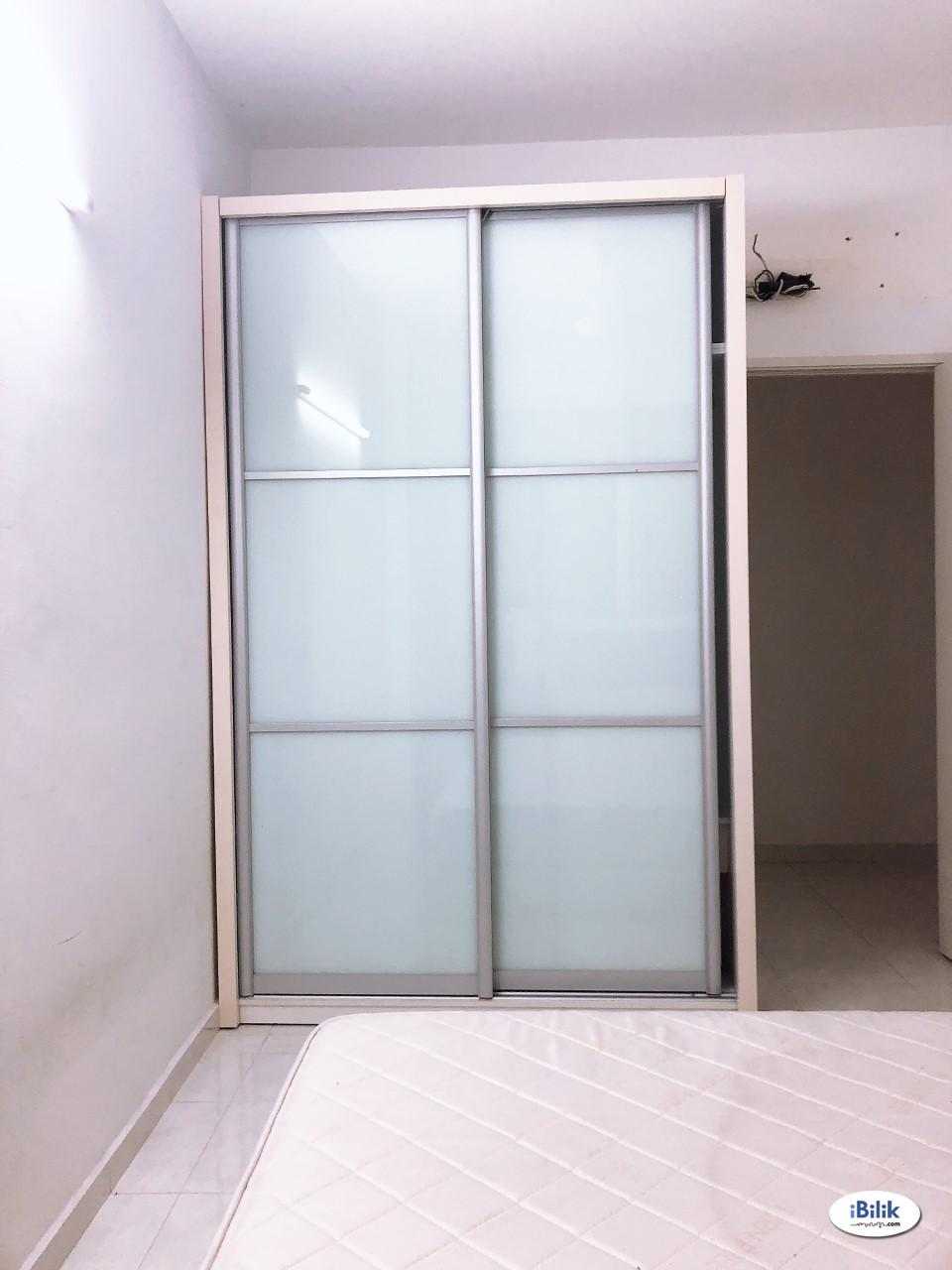 Seaview Middle Room at Karpal Singh, Penang