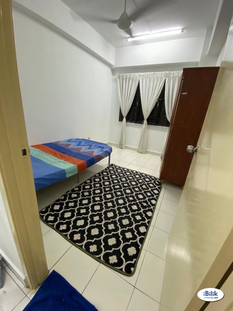 Middle Room at Bayu Tasik 1, Bandar Sri Permaisuri