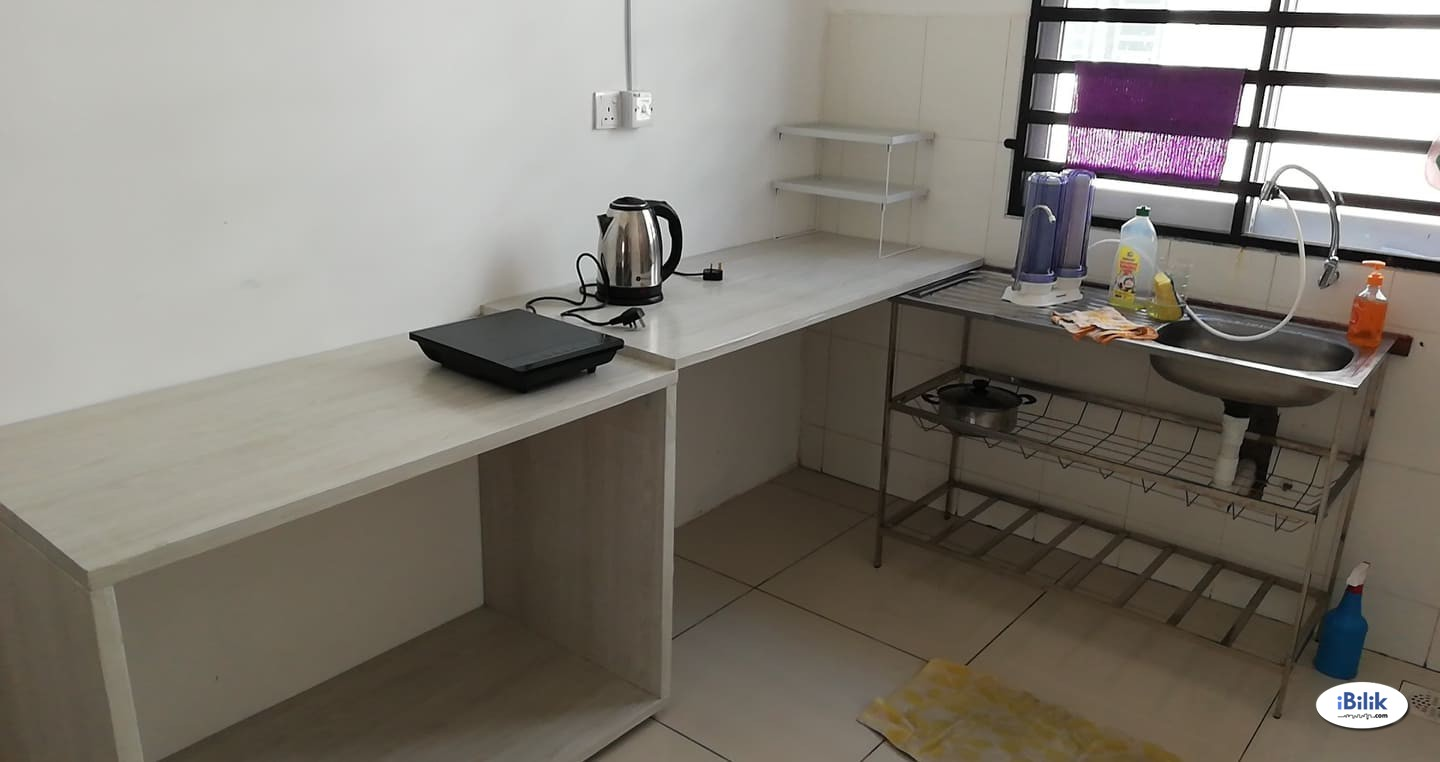 Privacy Safe & Clean Middle Room at Butterworth