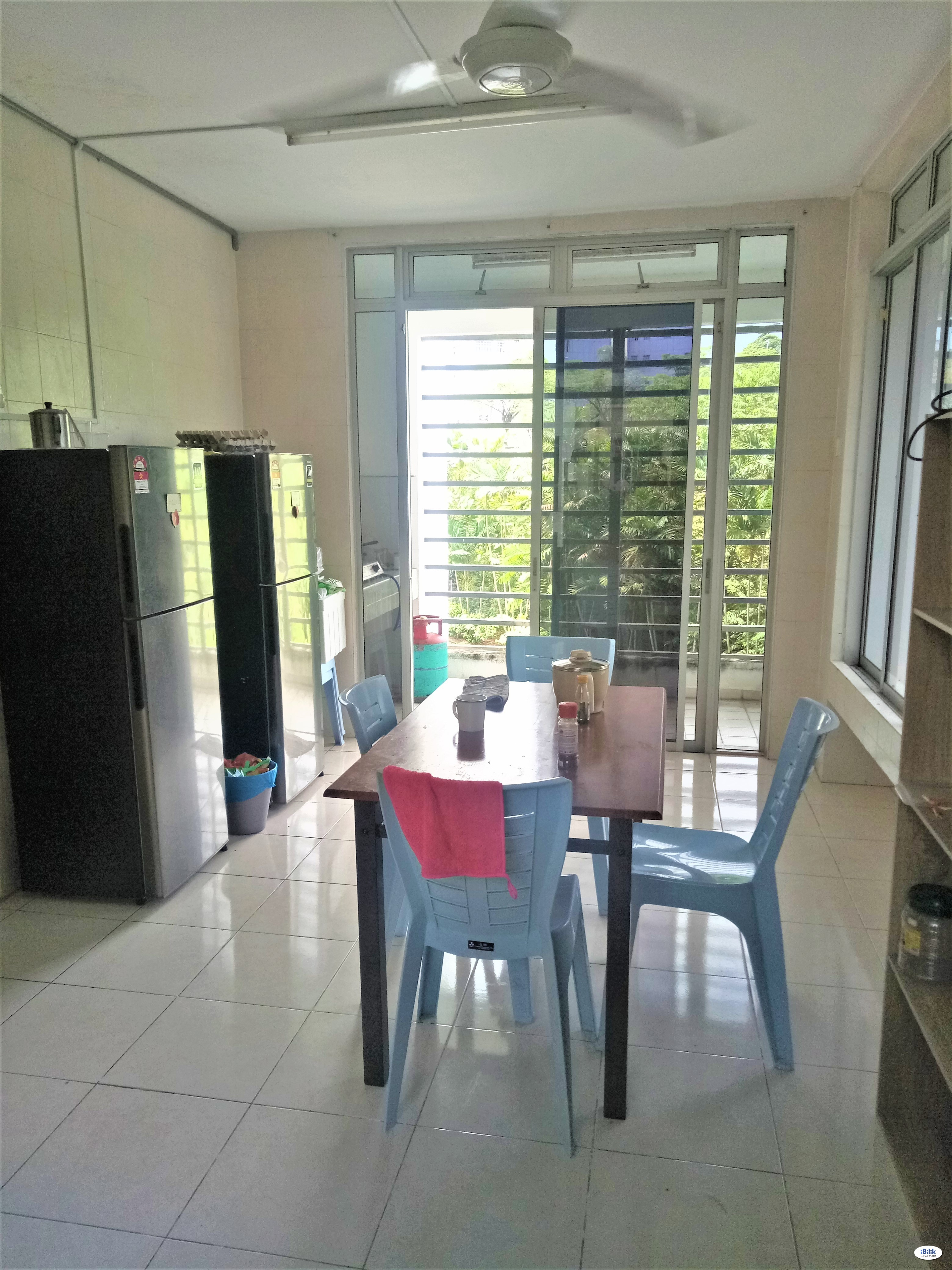 Small room with big French Window at Cyberjaya, Selangor