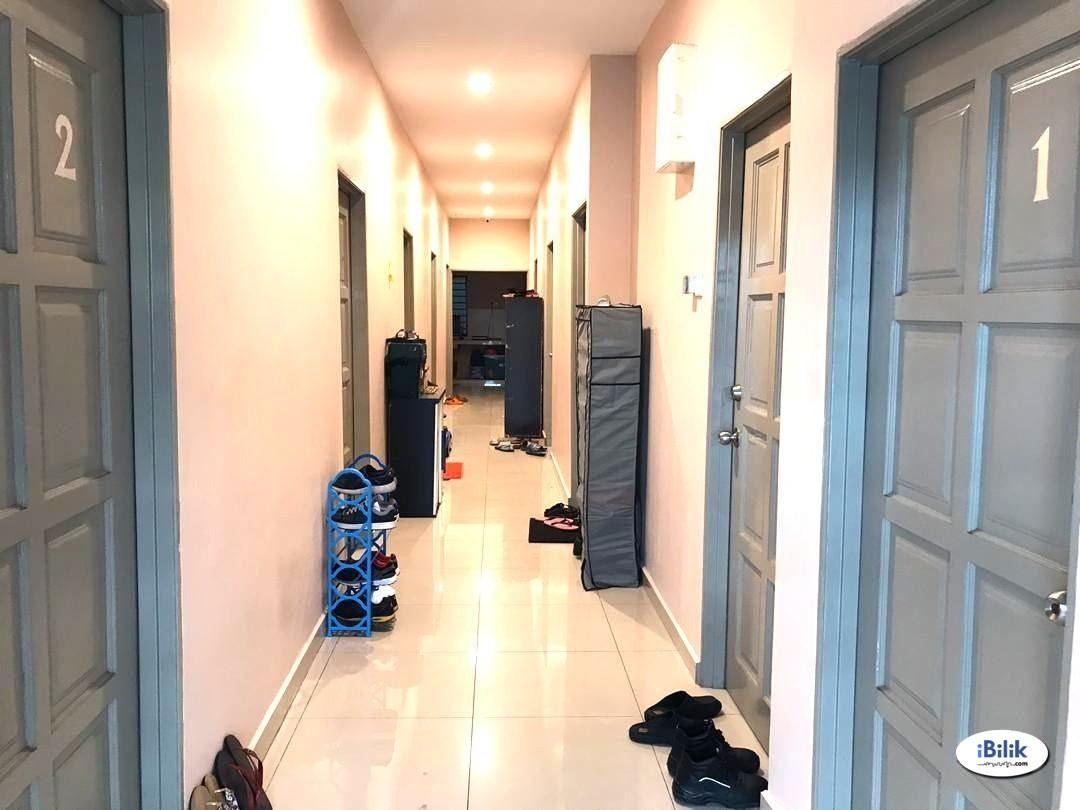(FREE UTILITIES & WEEKLY CLEANING, WITH AIRCOND) MASTER ROOM AT KAMPUNG TASIK PERMAI, AMPANG