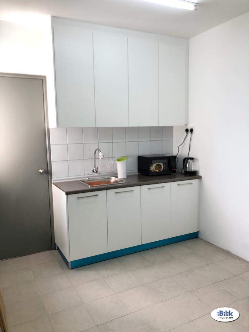 Stunning view l 💧 Utilities included   🏡 Single Room at Casa Tiara, Subang Jaya