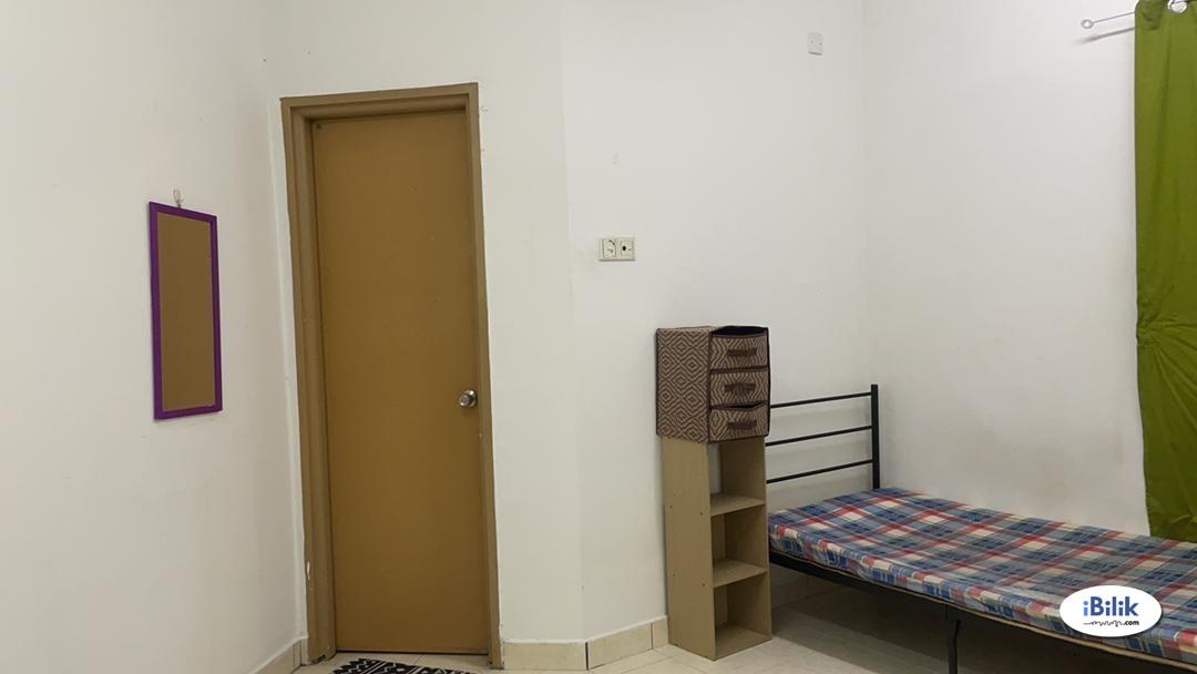 Master Room at Melur Apartment, Sentul
