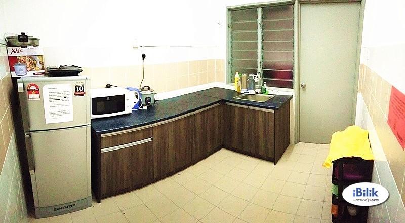Master Room at Residensi Laguna, Bandar Sunway