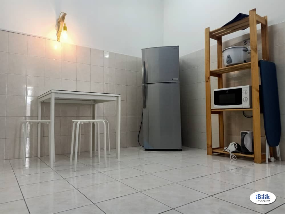 Single Room at Platinum Hill PV5, Setapak