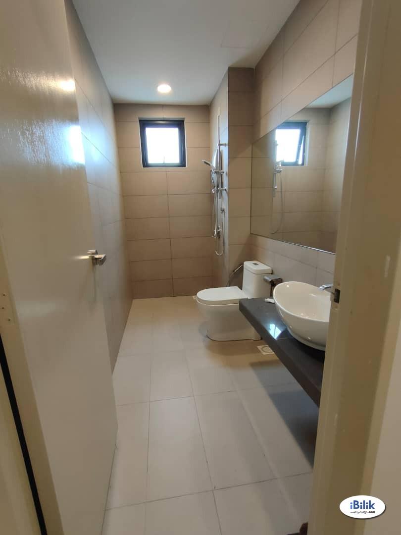 Nice Middle Room at OUG Parklane, Old Klang Road