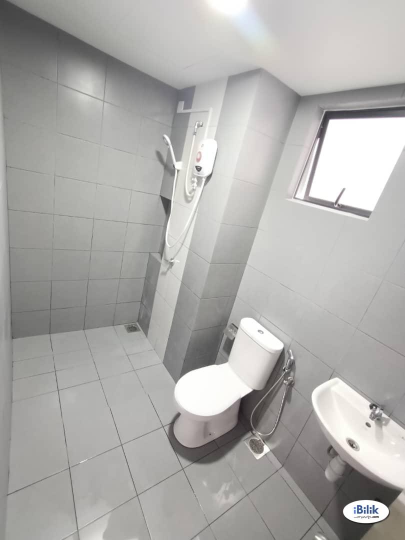 Middle Room at Astetica Residences, Seri Kembangan