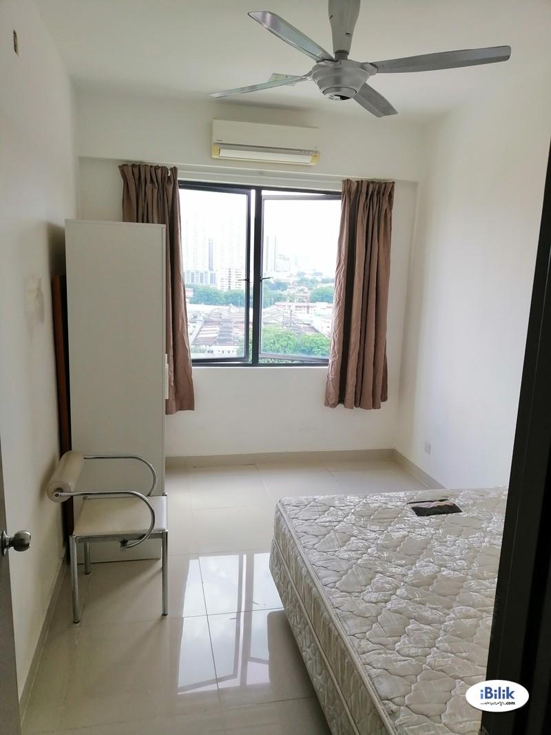 Medium Room in Pandan Jaya / Pandan Indah