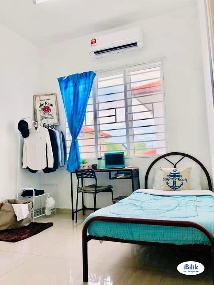 intimate Urgent Move In~ Medium Room for rent Setia Alam