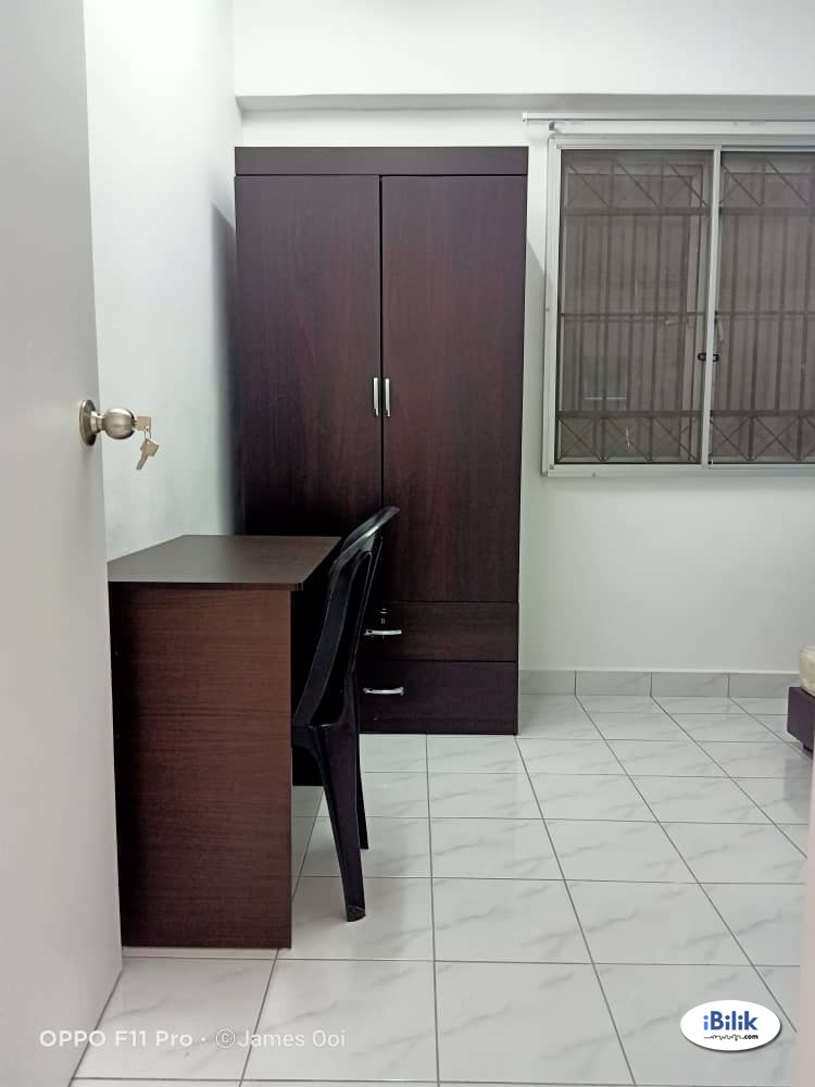 Middle Room at Arena Green Bukit Jalil