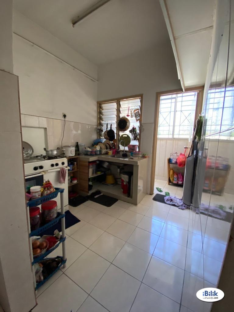 Apartment Damai Senja, Petaling Jaya (Master Bedroom)