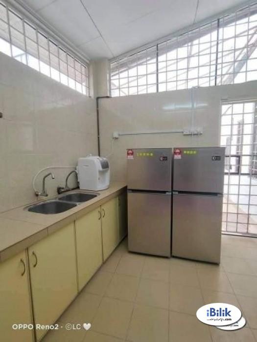 Cozy ZERO DEPOSIT !! Middle Room at PJS 9, Bandar Sunway
