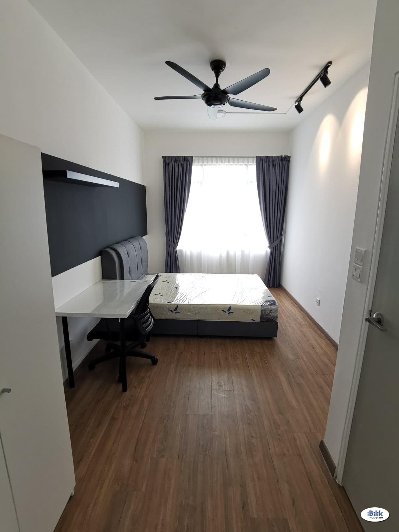 Master Room at The Greens @ Subang West, Shah Alam