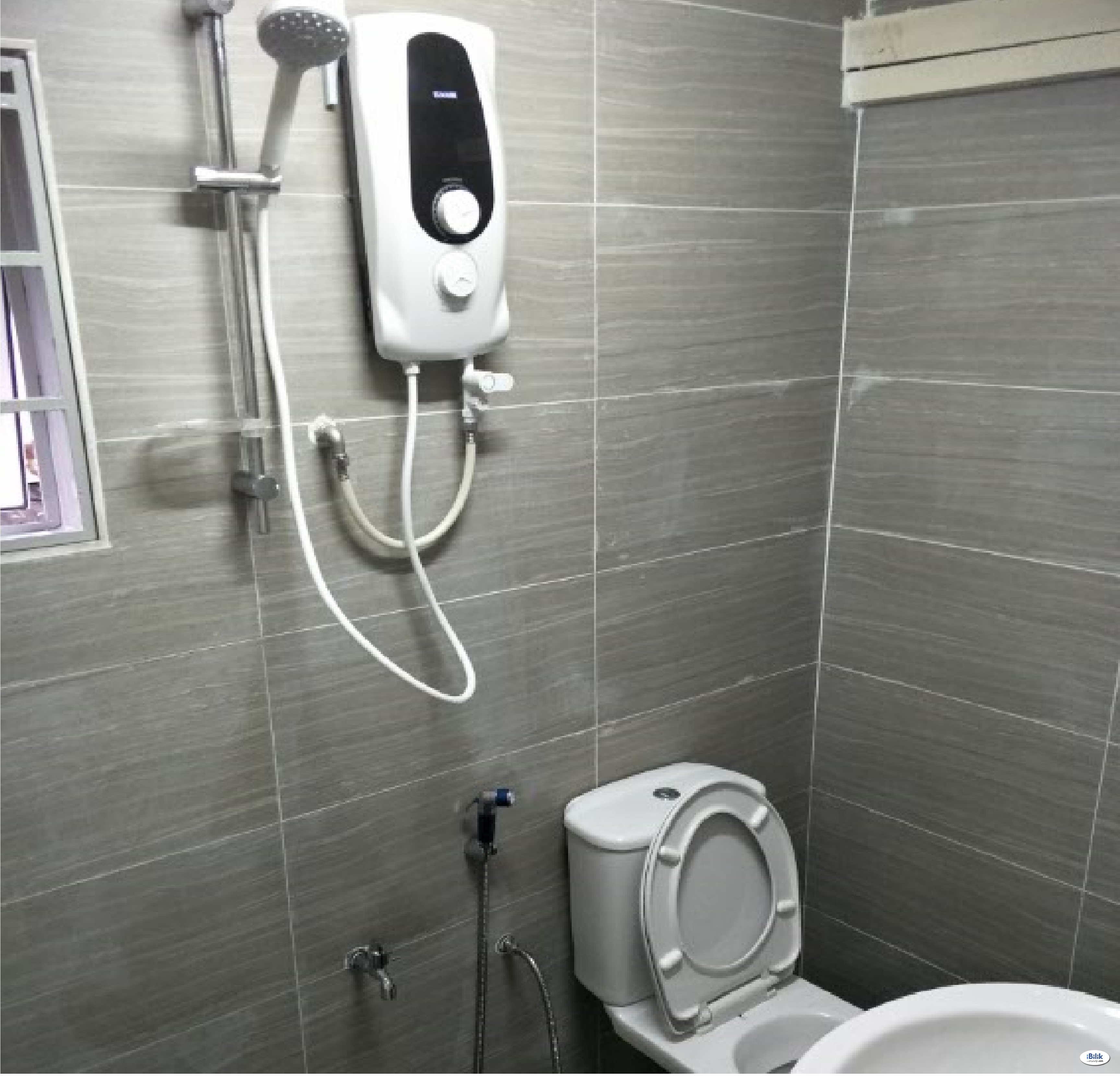 PJS 10/16 - Fully Furnished Room For Rent (Private Bathroom+100mbps Wifi)