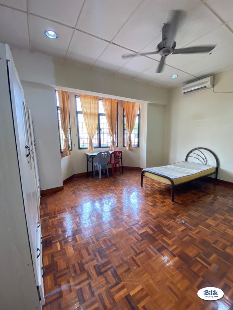 Master Room at Seri Utama, Kota Damansara