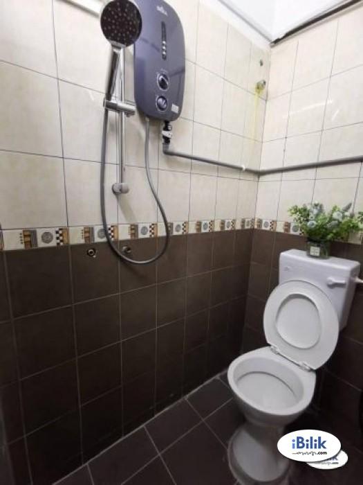 cushy ONE Month Deposit !! Medium Room Kota Damansara PJ