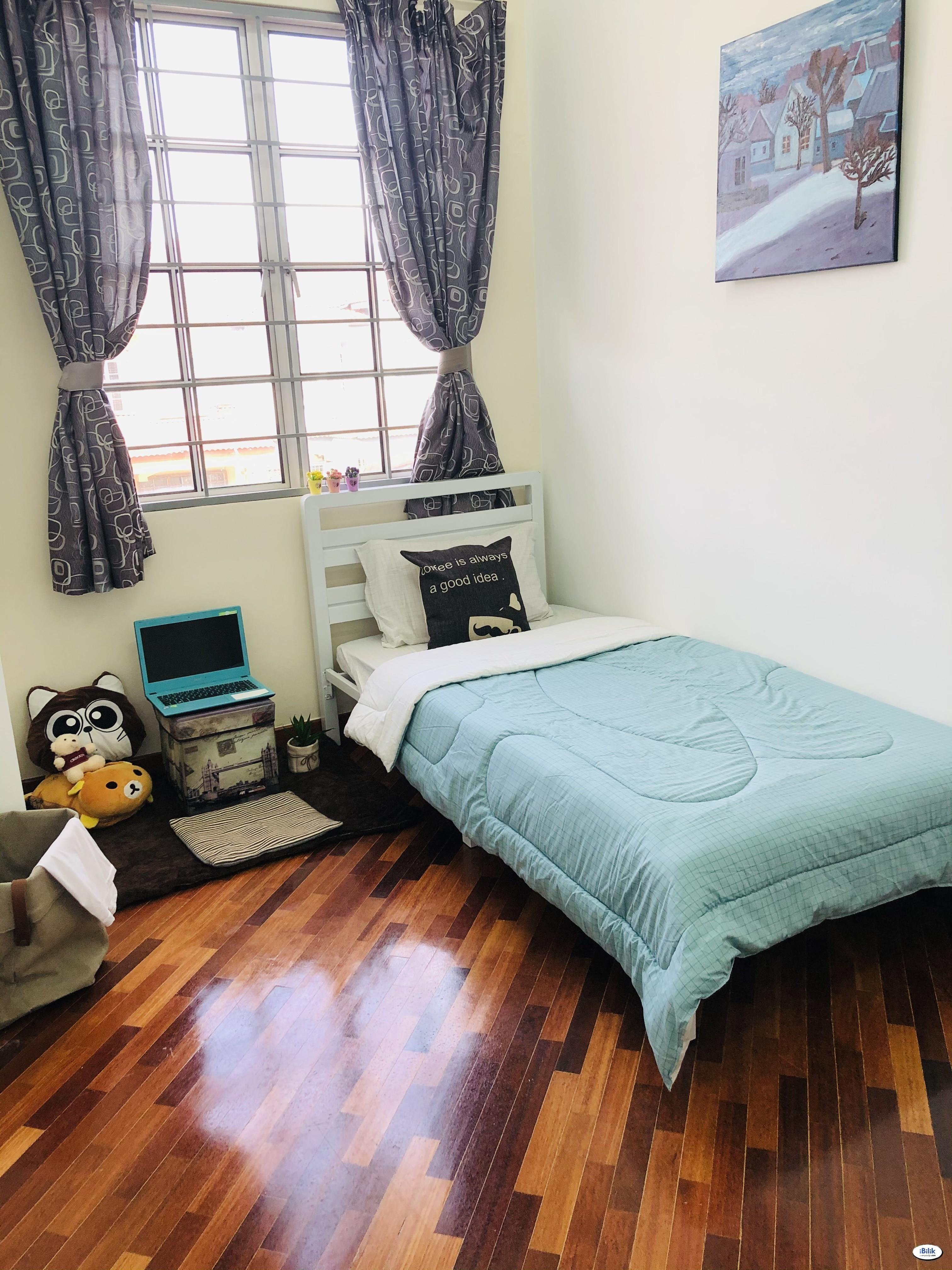 🌈Medium Room for rent near LRT Station Bandar Puchong Jaya🌈