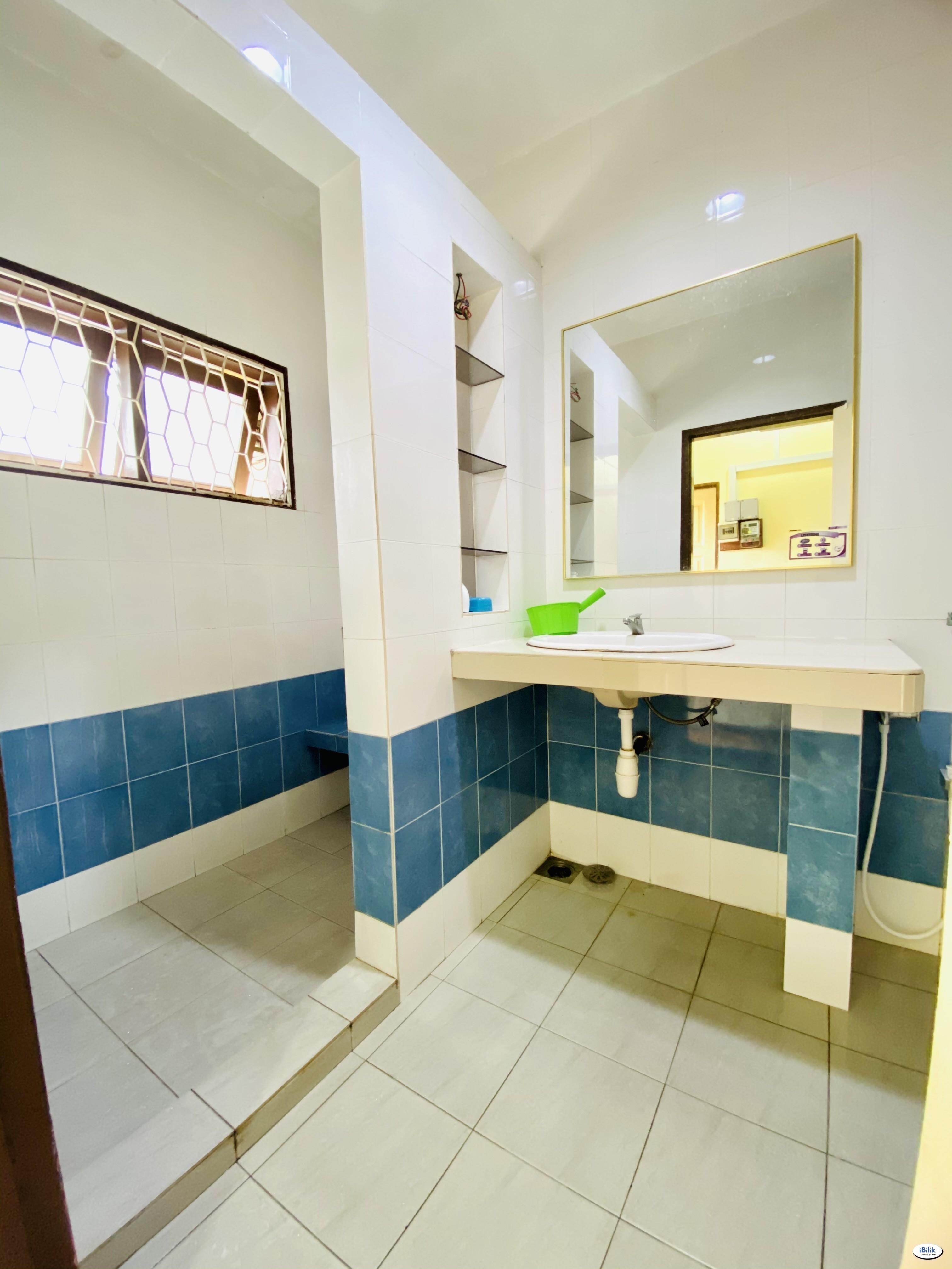 ⭐ Middle Room at BU1, Bandar Utama Near Centre point Bandar Utama ⭐