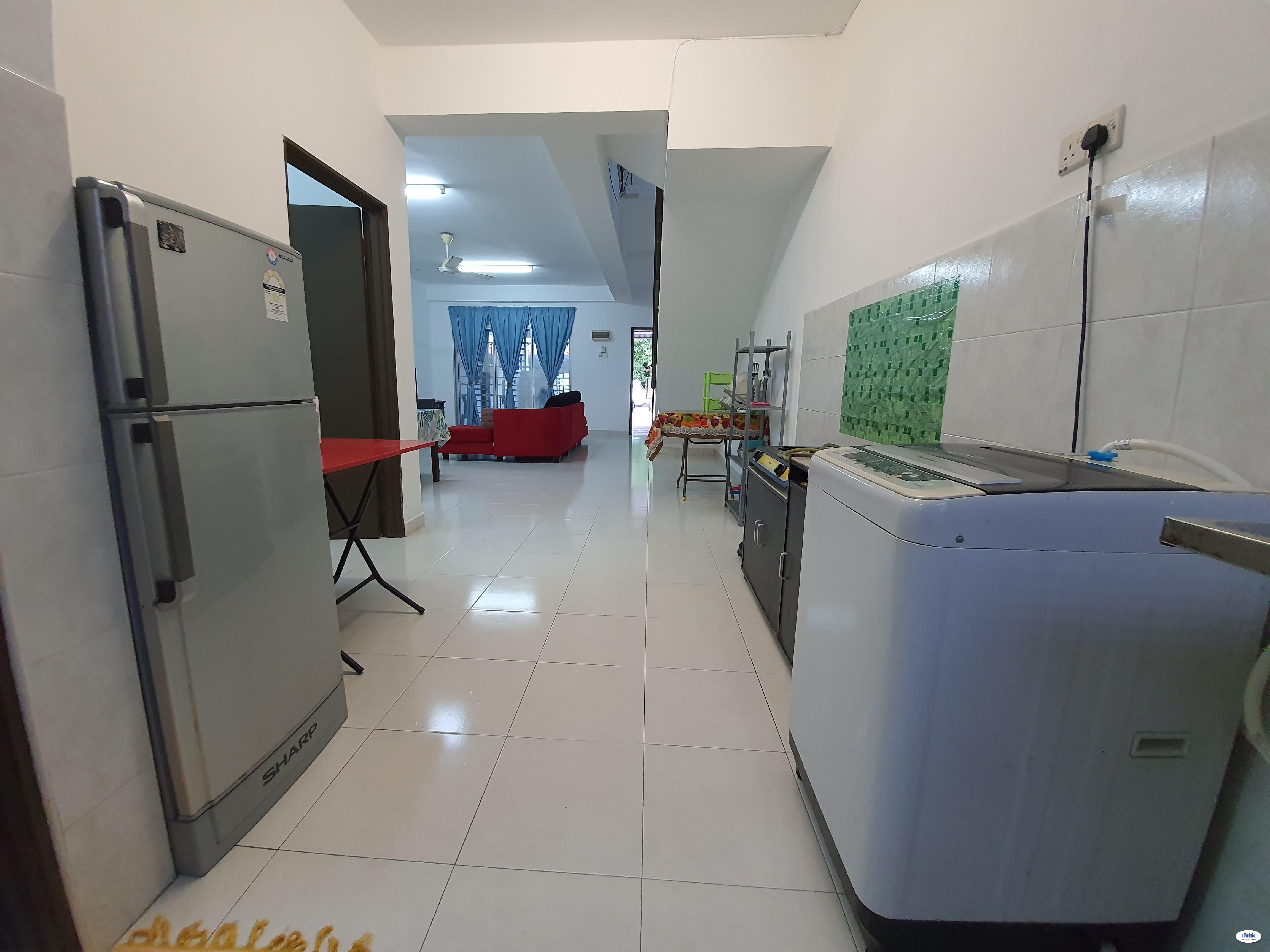 Master Room at Taman Bukit Dahlia, Pasir Gudang