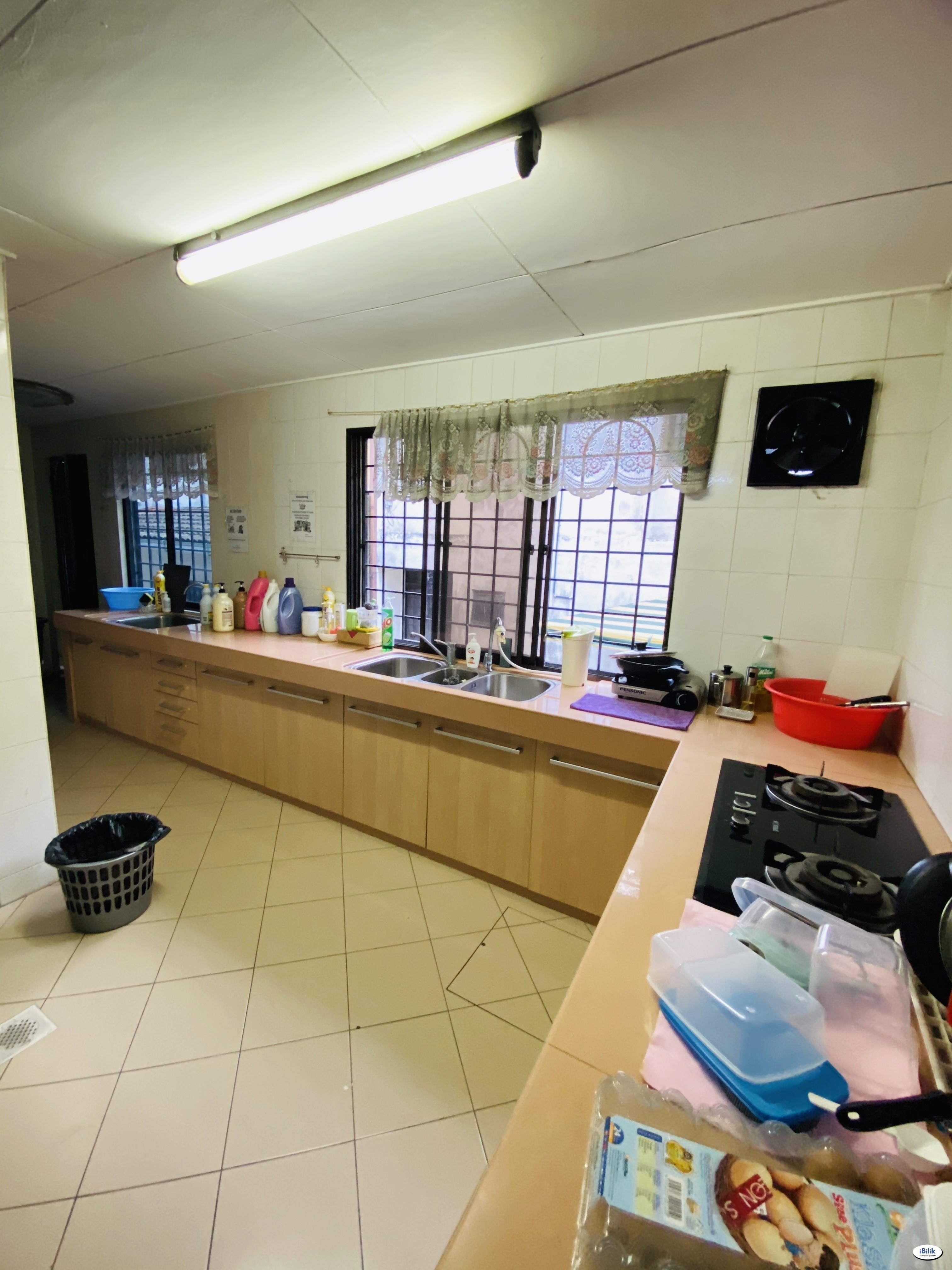 Zero Deposit ONLY ❗ Middle Room at BU11, Bandar Utama Near Centrepoint Bandar Utama