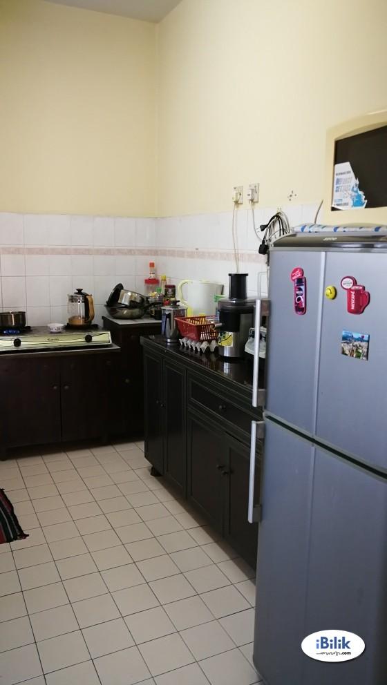 Single Room at Bandar Puteri Puchong, Puchong