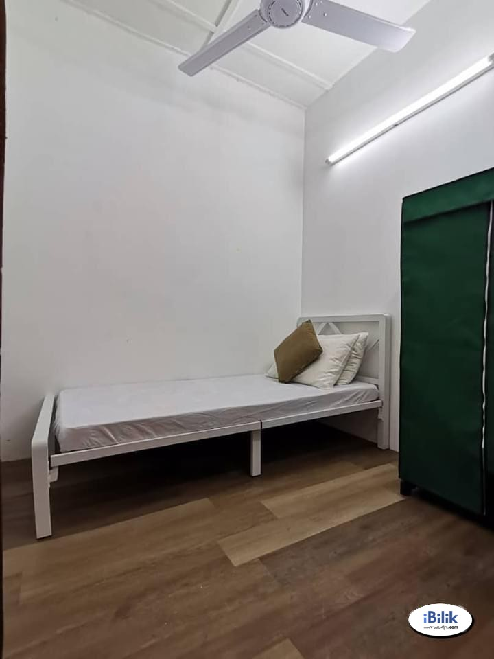 1 Month Deposit 💥 Small Room Bukit Jalil, Kuala Lumpur with High Speed WIFI