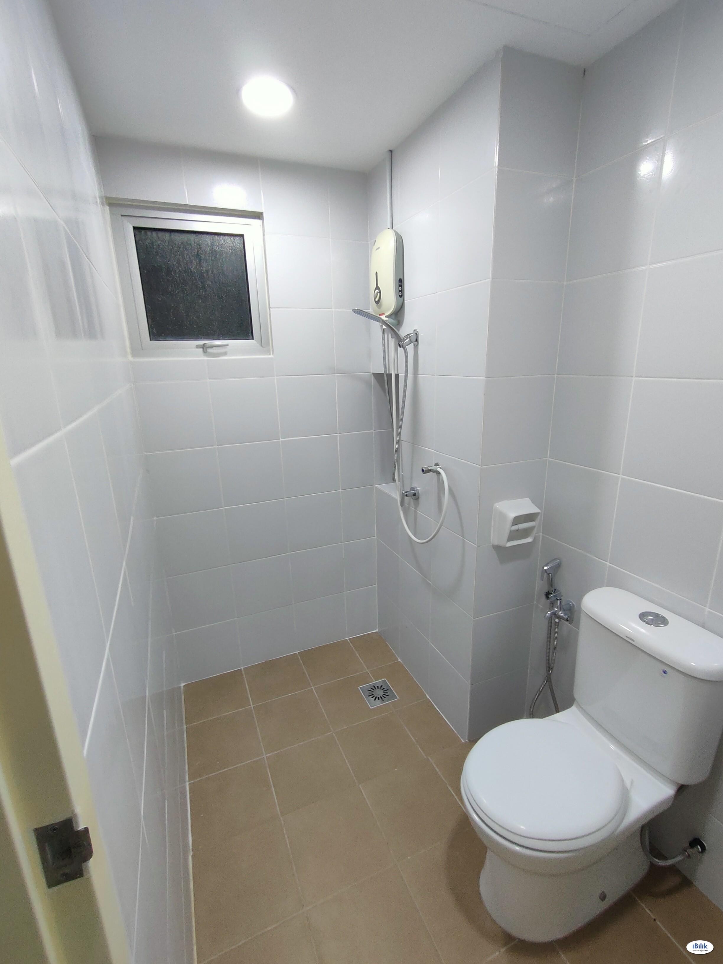 D'Nuri EXSIM @ Desa Petaling - Master Room with Bathroom