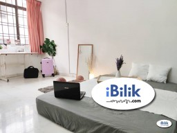 Room Rental in Petaling Jaya - ✨RM1 for 2nd Month✨ Middle Room at Seri Utama, Kota Damansara