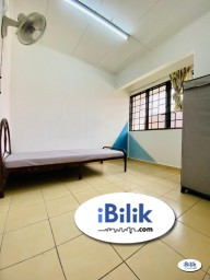 Room Rental in Petaling Jaya - 🌞Comfortable Spacious /  Single Room at Bandar Utama 11 with High Speed WIFI