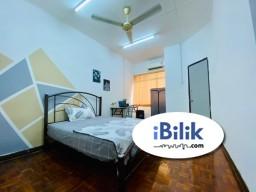 Room Rental in Selangor - Middle Room at BU 🚶Walking Distance to 1 powerhouse, MRT Bandar Utama, One Utama 🚗Easy Access to PJ Uptown, Starling Mall, Atria, IKEA Damansara