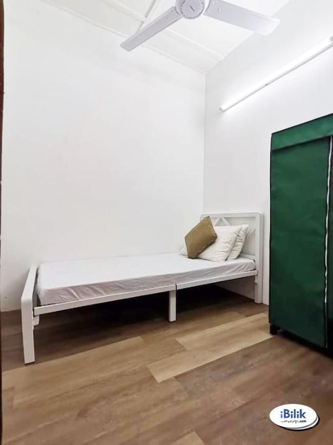 comfortable 1 Month Deposit!! Small Room Bukit Jalil- Kuala Lumpur