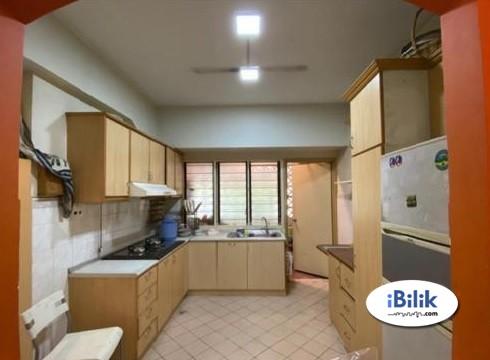 [Walking Distance to LRT] Fully Furnished Master Room in Vista Komanwell C  @ Bukit Jalil