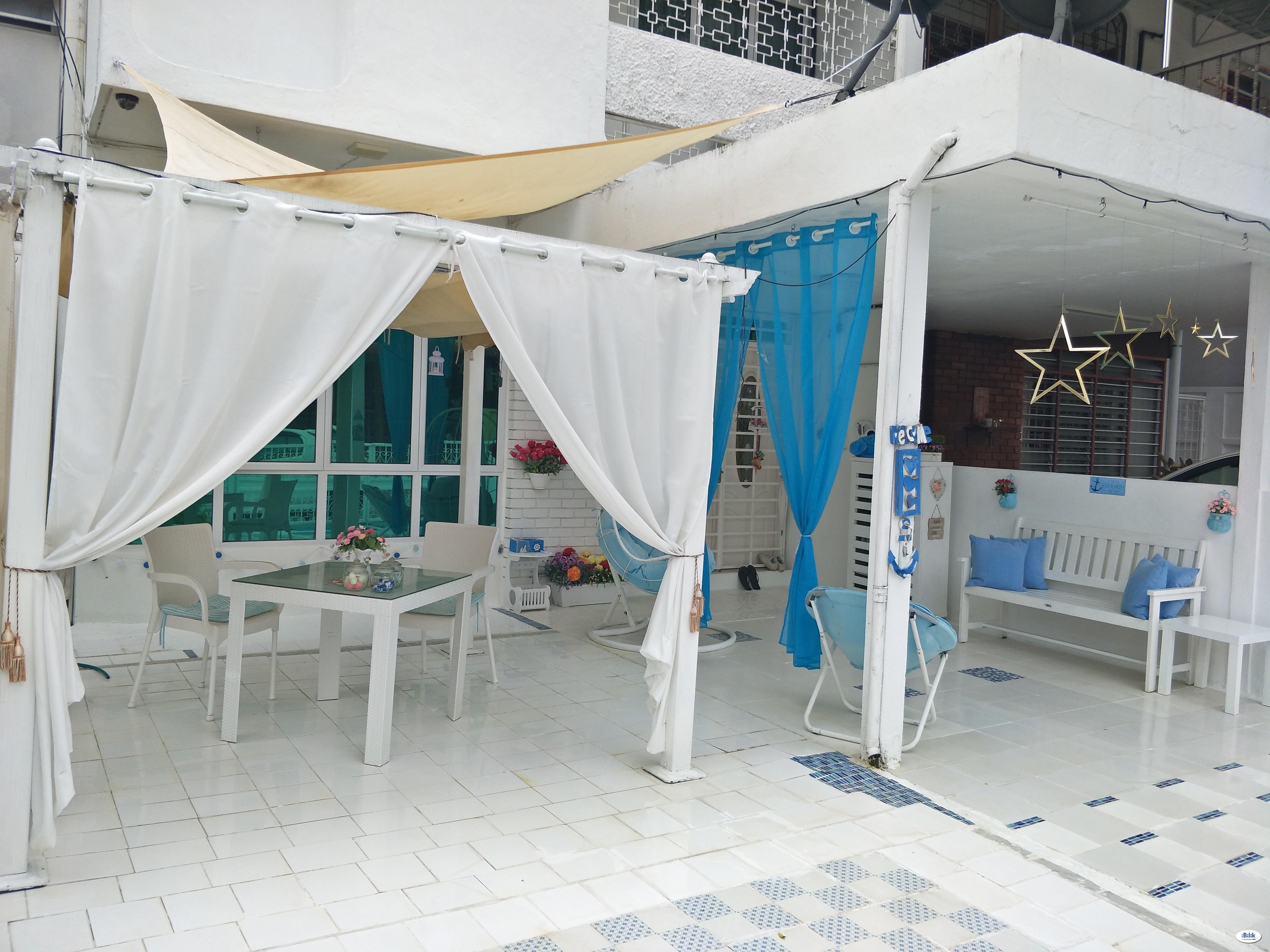 Middle Room at Georgetown, Penang
