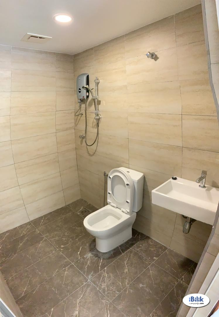 Bangsar, Nice & Interior Designed Fully Furnished Room + Private Attached Bathroom (Free Utilities & WiFi) MRT Station
