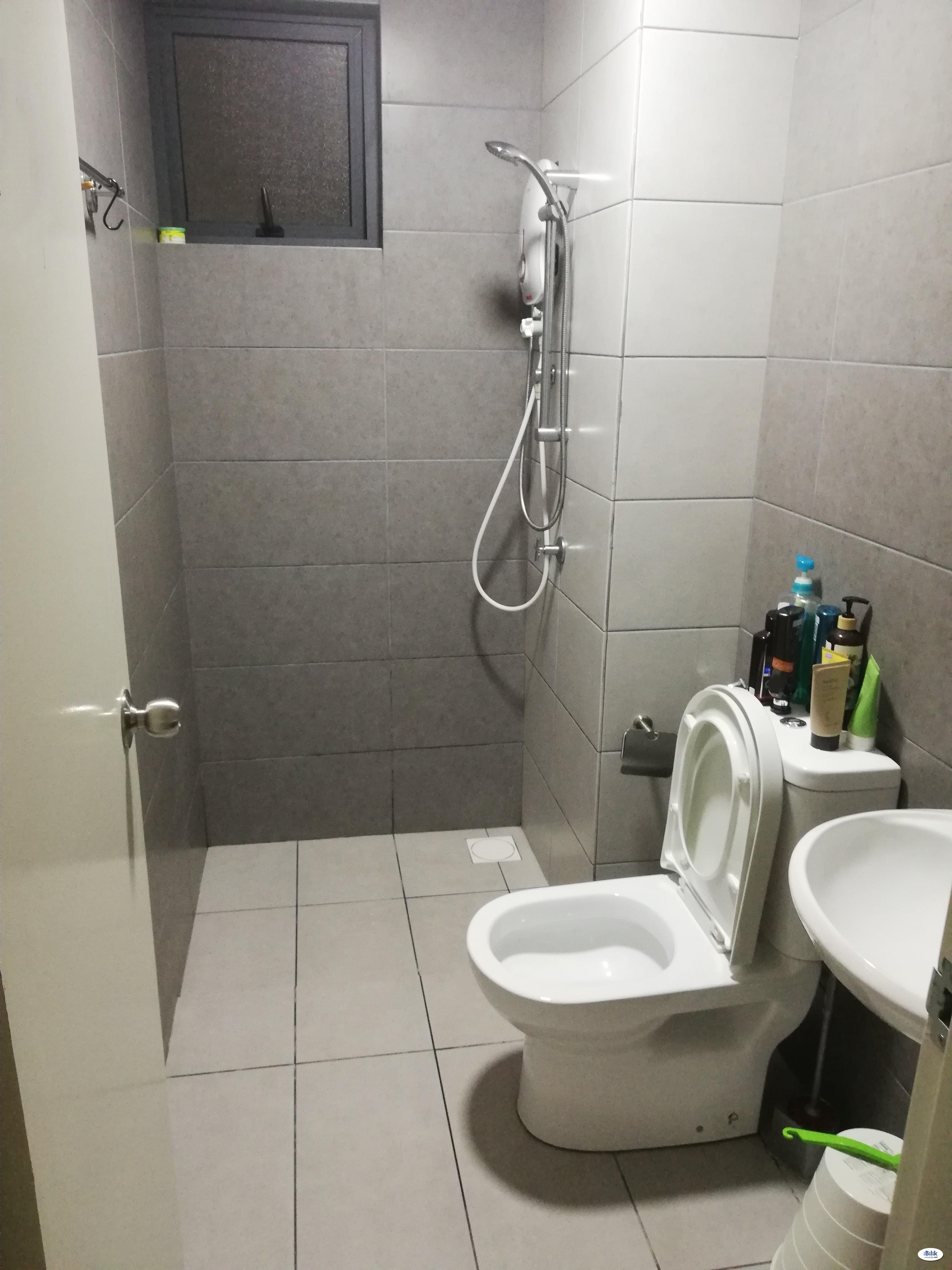 Single Room at Casa Green Bukit Jalil, 450m to LRT Muhibbah