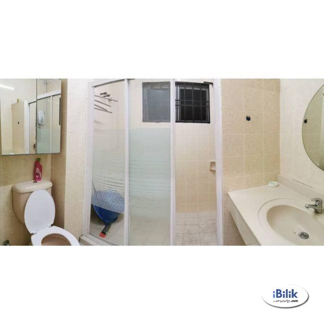 convenience Kota Damansara Nice Single Room with Wifi Cleaning