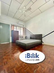 Room Rental in Selangor - 💓Middle Room Free 1 Month RENTAL ⭐Near to One Utama , MRT Bandar Utama, 1 Power House , First Avenue , Centre Point , IKEA , MRT Mutiara Damansara