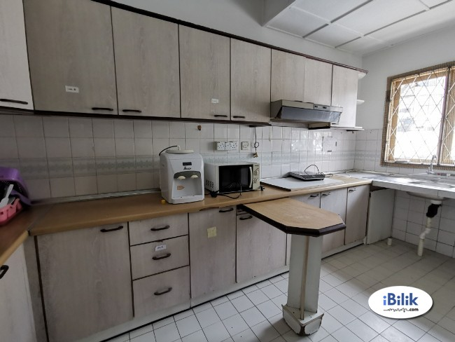 Available now 0% DEPOSIT !! Middle Room at SS15- Subang Jaya Near LRT Station