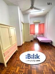 Room Rental in Petaling Jaya - Middle Room at Seri Utama, Sepah Puteri, Sek5, Kota Damansara