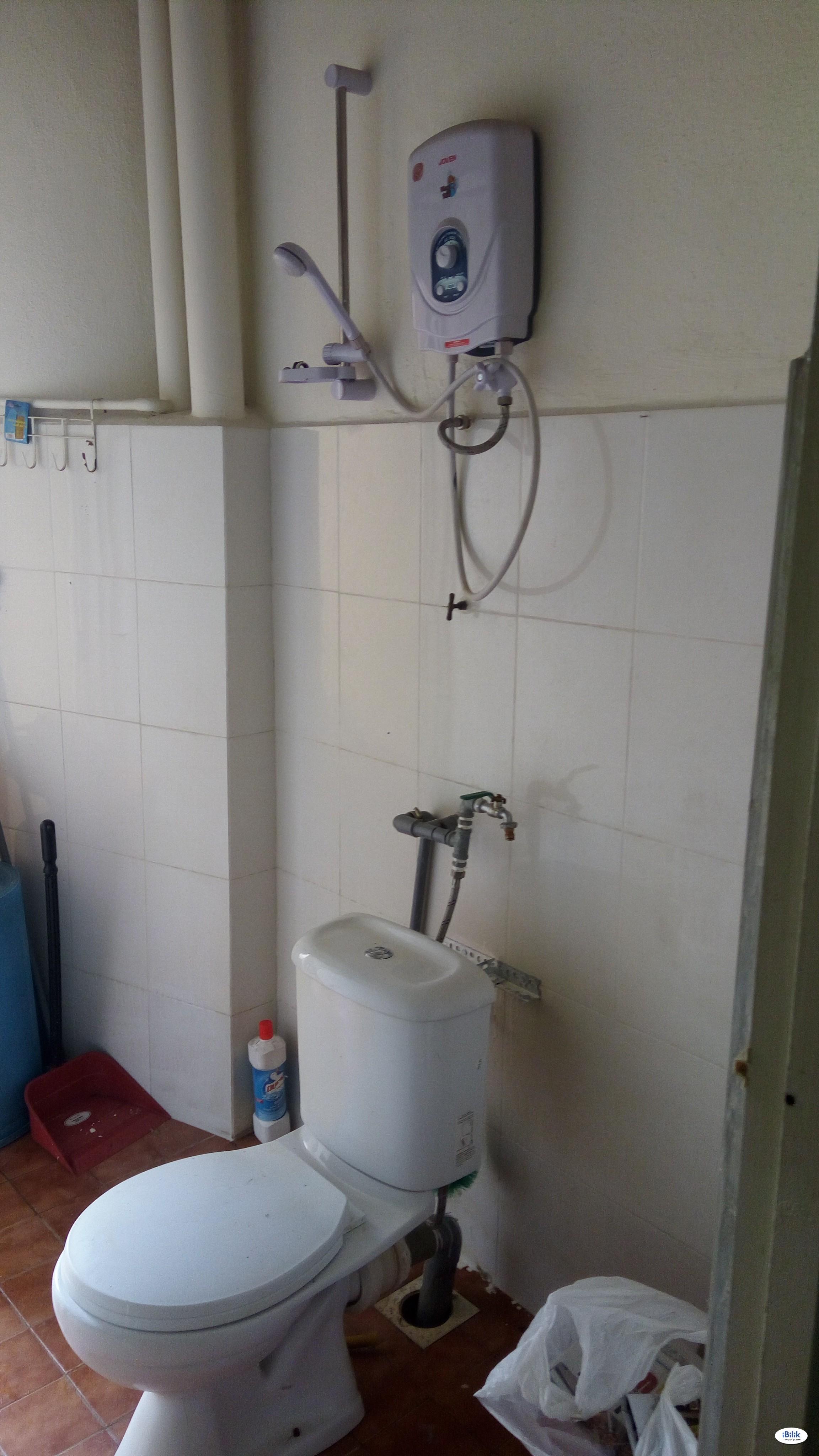 [ZERO DEPOSIT] Single Room at Section 17, Petaling Jaya