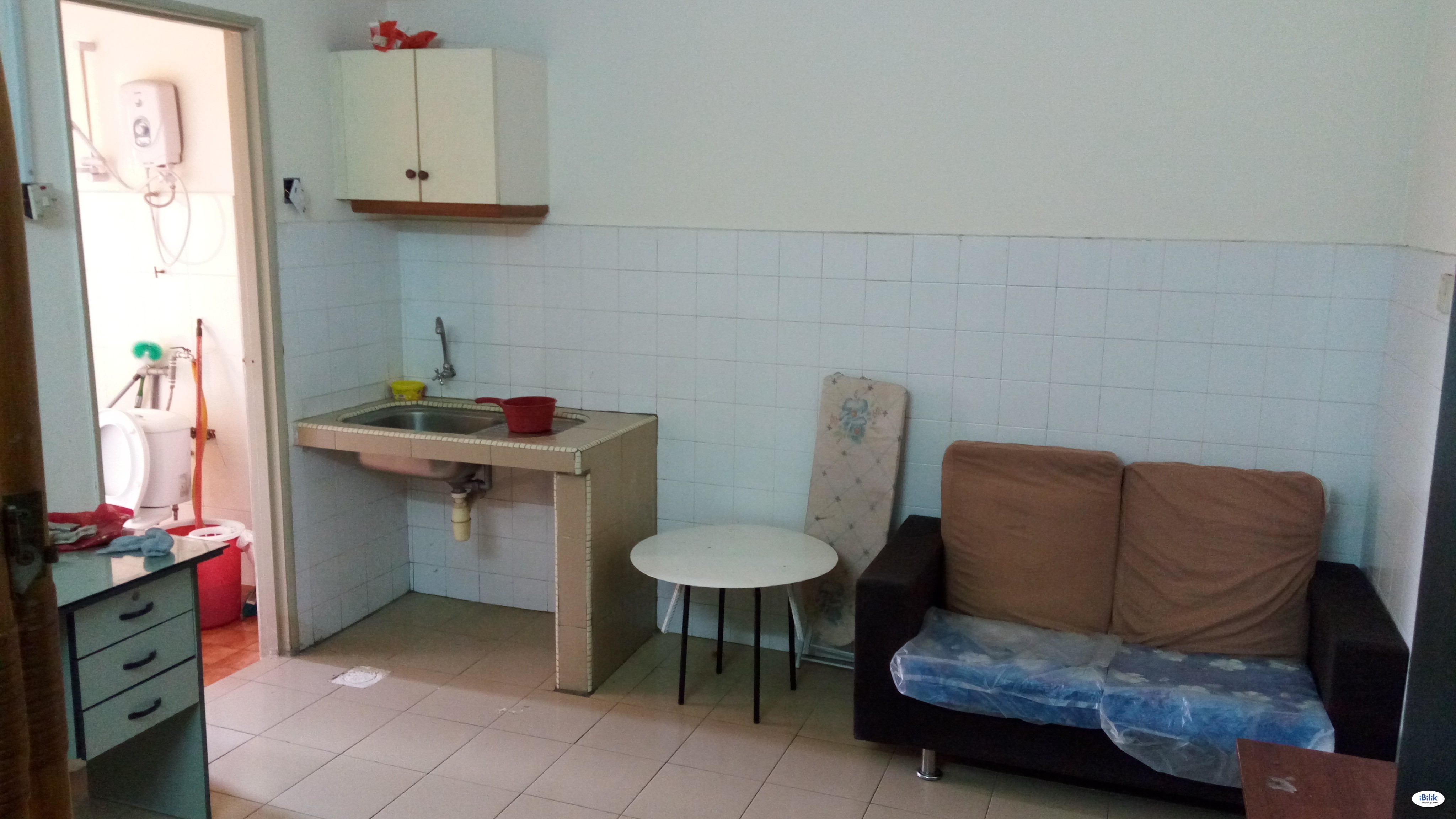 [ZERO DEPOSIT] Middle Room at Bandar Sunway, Petaling Jaya